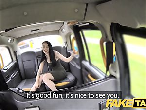 fake taxi weenie thirsty customer gets a free ride
