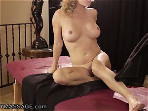 Krissy Lynn likes her kneads Deep and rigid
