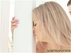 Dane Jones blonde babe vagina tonguing ejaculation oral job