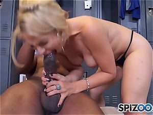 Sarah Vandella makes the deal that she gets an interview and he gets a sloppy bj