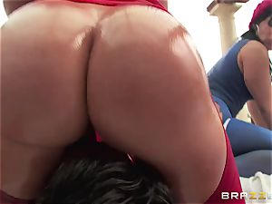 anal intercourse with trio insatiable thick backside cocksluts Krissy Lynn, Nikki Delano and Rose Monroe