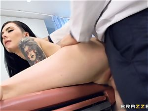 Marley Brinx gets her vag deeply investigated at the doctors