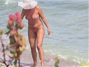 sex On The Beach - first-timer nudist hidden cam cougars