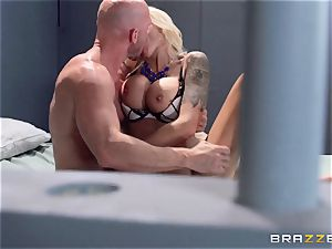 Nina Elle plumbs a fantastic con in front of her cuckold husband
