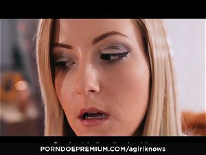 A female KNOWS - Francys Belle luvs girl-on-girl ass-fuck play