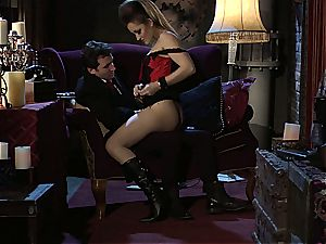 Dani Daniels implementing cogs and shafts in her steampung dream