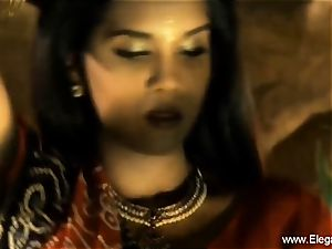 Bolly honey Desi Indian mummy