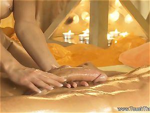 Twisty hand movement massage