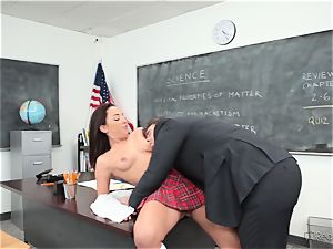 Amara Romani is plunged by the instructor across his desk