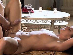 India Summers India Summers is liking the immense weenie pleasuring her super-hot cunny har