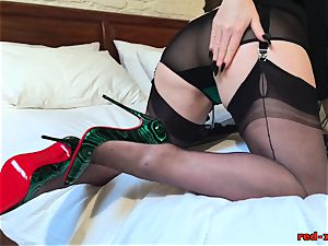 wild mature ginger-haired pokes her twat with her heels
