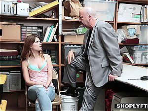 Ariel Mcgwire gobbles a dick for her daddy