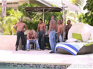 Jules Jordan - Riley Reid bi-racial gangbang