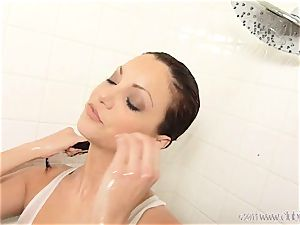 super-hot Jayden Cole gets soddening moist in the shower
