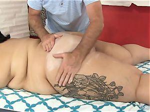 giant booty Mia Riley fake penis fuckfest massage