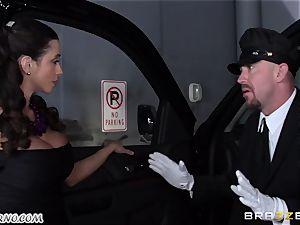big-boobed Ariella Ferrera - Drive on my pecker
