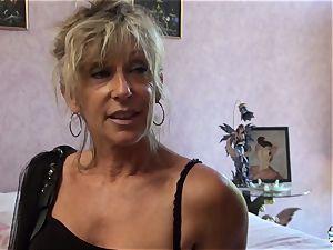 LA COCHONNE - bitchy French mature gets roughed up pound