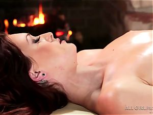 Karlie Montana and Megan Rain amazing facesetting and orgasm
