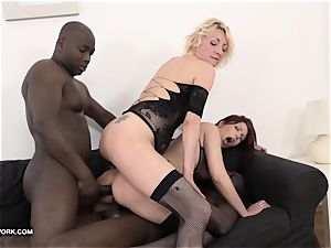 grannie mature group lovemaking puss poke multiracial gangbang
