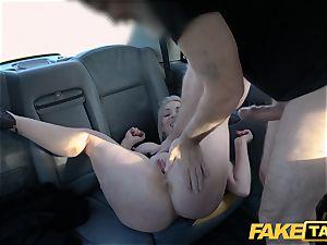 fake cab platinum-blonde milf Victoria Summers romped in a taxi