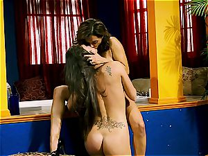 Francesca Le tongues her maid out
